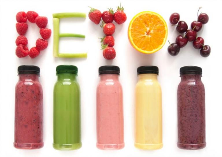 Funcionan las dietas detox, tu cuerpo necesita desintoxificarse.